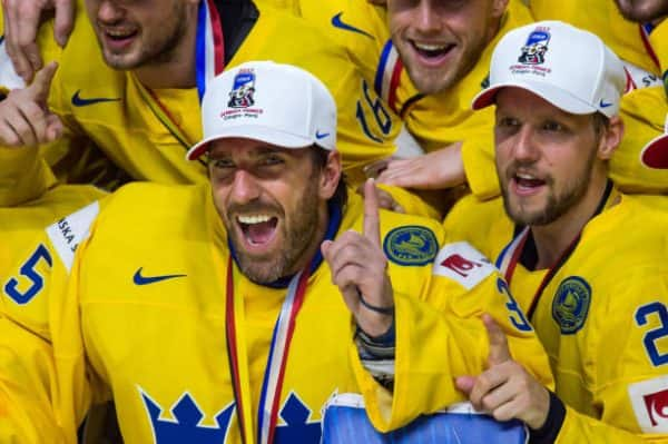 """Lundqvist talks to Swedish outlet about Karlsson, """"we want him"""""""